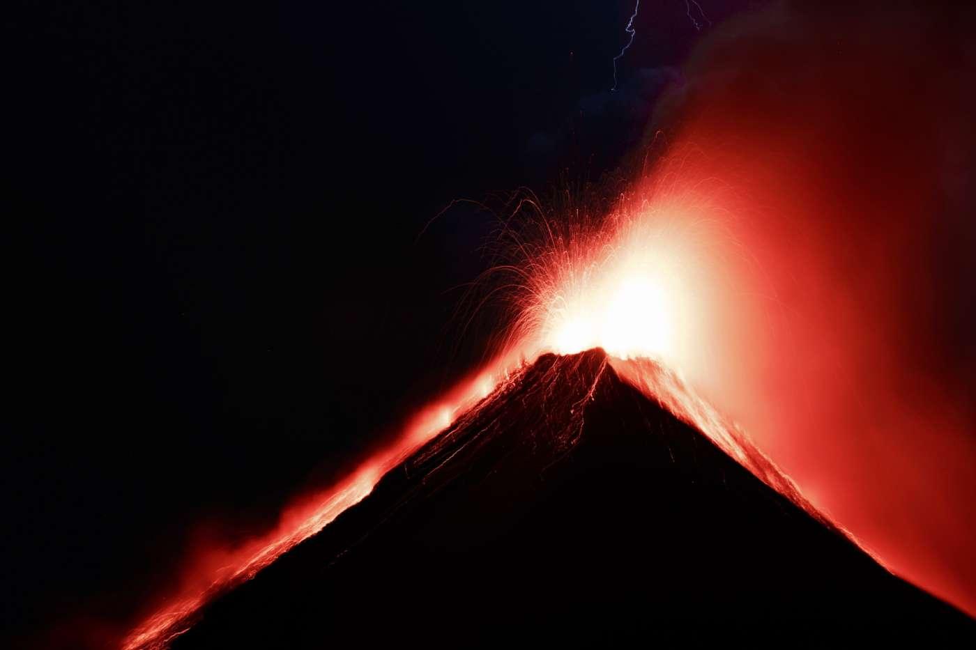 acatenango-volcano-erupting-guatemala