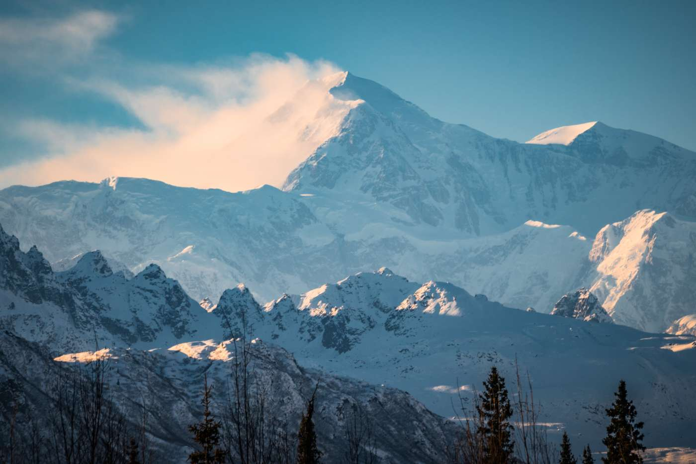 must-do things when visiting Alaska in Winter
